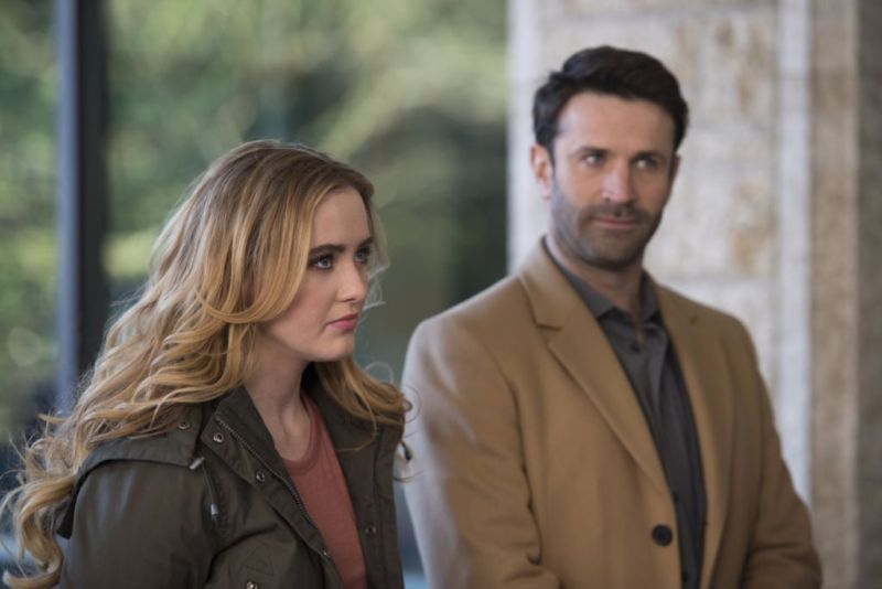 "Supernatural --""Ladies Drink Free""-- SN1216a_0071.jpg -- Pictured (L-R): Kathryn Love Newton as Claire and Adam Fergus as Mick Davies -- Photo: Diyah Pera/The CW -- © 2017 The CW Network, LLC. All Rights Reserved"