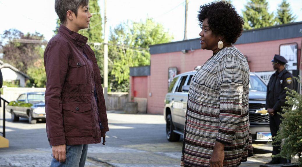 "Supernatural -- ""Patience"" -- Image Number: SN1303b_0222b.jpg -- Pictured (L-R): Kim Rhodes as Jody Mills and Loretta Devine as Missouri -- Photo: Bettina Strauss/The CW -- © 2017 The CW Network, LLC All Rights Reserved."